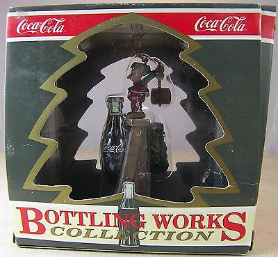 Coca Cola CHRISTMAS ORNAMENT TOPS ON REFRESHMENT Elf with Hammer 1995 in Box