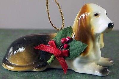 BASSET HOUND CHRISTMAS HOLIDAY ORNAMENT Ceramic Puppy Dog with Holly 3""