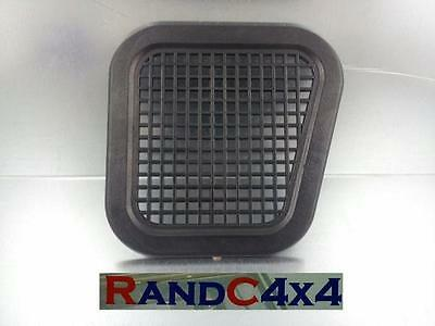 BTR6188 Land Rover Defender Wing Air Intake Grill '94 on right hand side wing