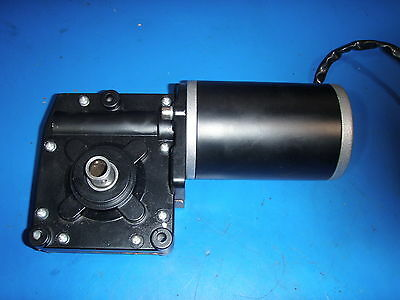 GEAR MOTOR 12 VOLT GREAT FOR SAWMILL/CRAB POT PULL/FEED 150/160 rpm 25:1 ratio