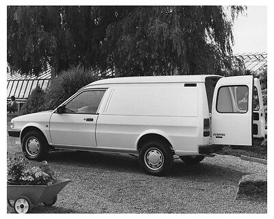 1987 Austin Maestro Van Automobile Factory Photo ch8755