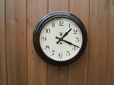 "Bakelite wall clock round electric 11.5"" across x 3"" deep shiney working   Bak2"