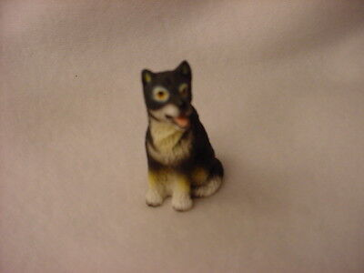 ALASKAN MALAMUTE dog TiNY FIGURINE puppy HANDPAINTED MINIATURE Resin Mini Statue