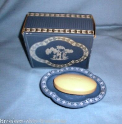 """Avon Avonshire Blue Soap Dish and Soap new unused in box 6"""" long"""