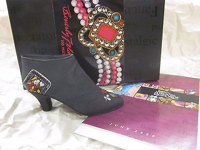 Willitts Designs Just the Right Shoe by Raine Queen of Hearts Boot MIB Free Ship