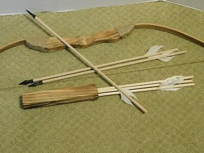 (New) Kids Wood Bow and Arrow With  Quiver Set  6 ARROWS Good For Archery (Toy)
