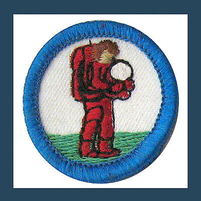 DISCOVERING TECHNOLOGY Badge RECALLED ERROR Girl Scouts Astronaut Collectors NEW