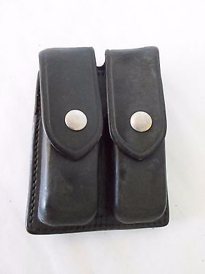 AKER 510-3 Double Magazine Pouch/Case-Black Leather-Nickel Snap Closure-Glock 9