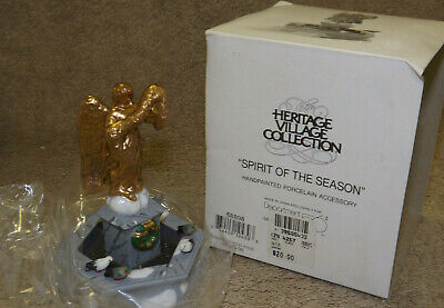 Dept 56 Christmas Dickens Village Accessory Set SPIRIT OF THE SEASON 58898 D56