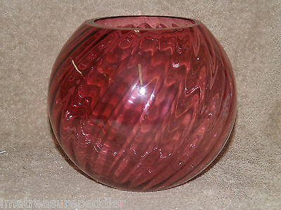 """Vintage Cranberry Swirl Optic Large Round Floral Bowl 7"""""""