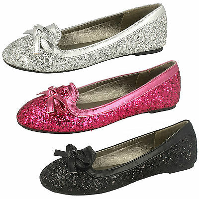 Wholesale Girls Shoes 14 Pairs Sizes 10-2  H2355