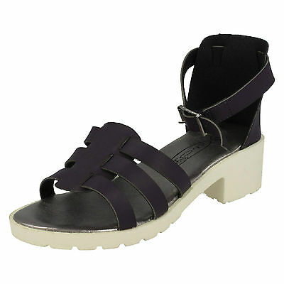 WHOLESALE Girls Sandals / Sizes 10-2 / 16 Pairs / H1072