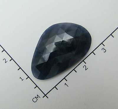Echter facettierter Saphir  ( 27,2 x 17,2 mm ) 22,67 Carat // in Box