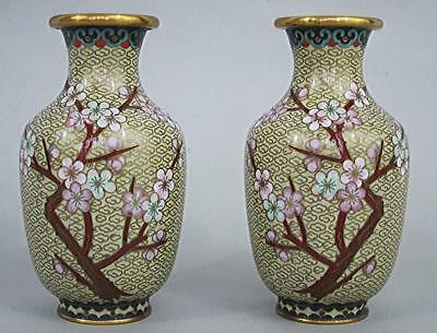 BEAUTIFUL PAIR OF VINTAGE CHINESE CLOISONNE ENAMEL VASES very good condition