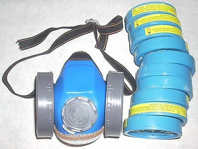 Dual Cartridge Dust Mask Respirator w 10 Refill Cartridges Chemical Gas Safety