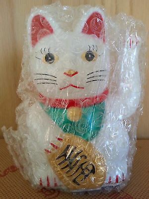 5.5 H Chinese Lucky Good Luck Waving Hand Paw Up Kitty Cat ( Plastic )