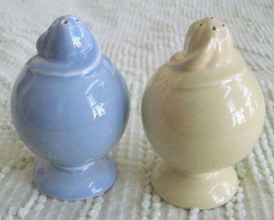 Taylor Smith & Taylor LuRay Pastels Windsor Blue and Yellow S & P Shakers