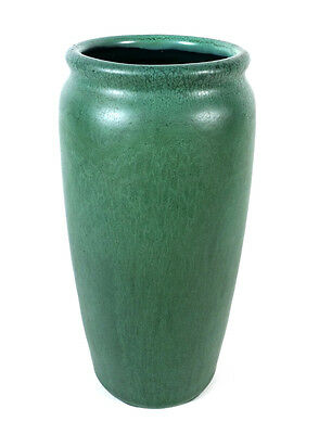 """Antique Matte Green Hampshire American Arts & Crafts Pottery Vase 7 1/2"""" Tall"""