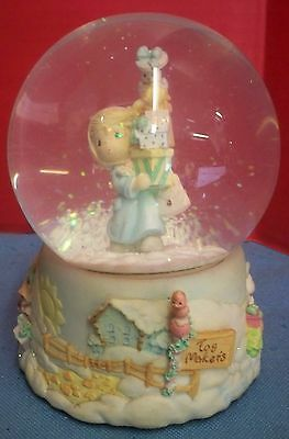 2001 Precious Moments Enesco Musical Snowglobe Waterball Glitter Jingle Bells