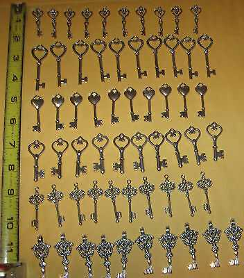 Wedding silver gold & bronze old look keys 60 antique victorian charm skeleton