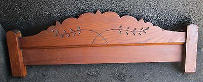 ANTIQUE EASTLAKE VICTORIAN OAK CREST / CROWN / PEDIMENT w/ SPOON CARVINGS