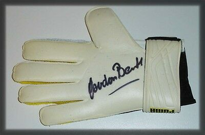 Gordon Banks Personally Hand Signed Autograph Glove England 1966 Stoke City