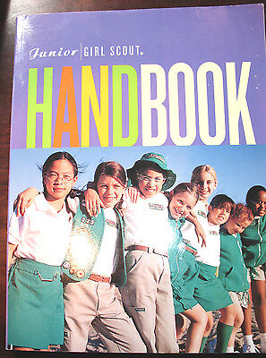 JUNIOR Girl Scout HANDBOOK 2001 in BOX Research Historical Combine Shipping