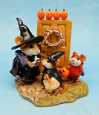 Wee Forest Folk WELCOME TRICK OR TREATERS, M-280a, Halloween LTD, Retired