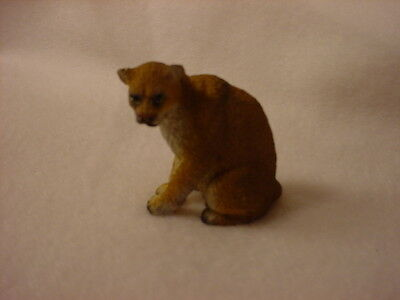 COUGAR wild cat animal TiNY FIGURINE Resin MINIATURE Mini Safari Zoo Statue NEW