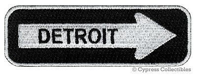 DETROIT ONE-WAY SIGN EMBROIDERED IRON-ON PATCH applique MICHIGAN SOUVENIR ROAD