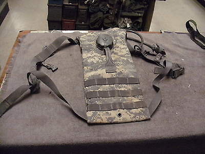 US Military ACU Molle II Hydration Carrier ,Bladde rDrinking Hose & Valve /Bite