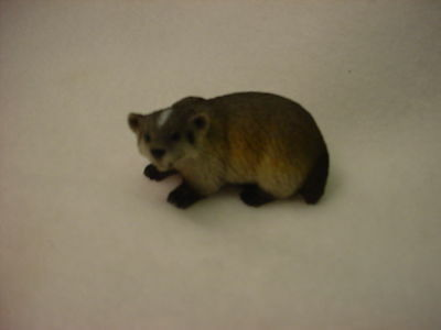 BADGER Figurine TiNY ANIMAL Statue HAND PAINTED MINIATURE Mini Collectible