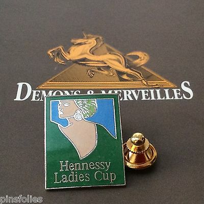 Pin's Folies * Alimentation Food Femme Ladies cup Hennessy Golf Cognac