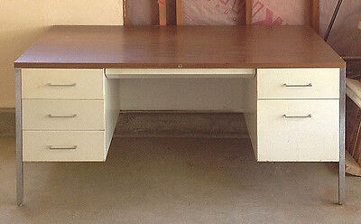 Vintage Steelcase Metal Desk - Local Pickup only in Northern California