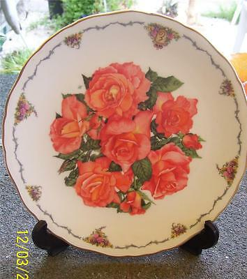 Pretty Royal Albert 'elizabeth Of Glamis' By Sara Anne Schofield  Display Plate