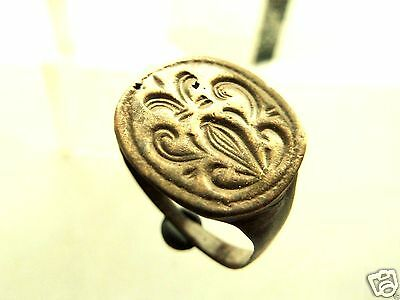Post-medieval bronze seal-ring (400).
