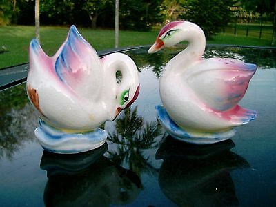 "3 1/4""  Vintage Salt And Pepper Shakers  Set Of 2 Japan Pink And Blue Swans"