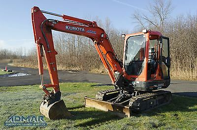 2013 KUBOTA  KX121R3T3 Excavator, with Heated Cab and a Standard Blade.
