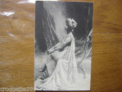Carte postale Postcard Pin up beaute mode theatre actrice mannequin costume