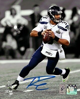 Russell Wilson Autographed Signed 8X10 Photo Seattle Seahawks Super Bowl Rw Holo