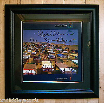 PINK FLOYD-Autographed & Framed A MOMENTARY LAPSE OF REASON Album-GILMOUR-COA
