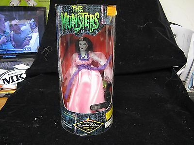 """Exclusive Premiere Munsters 9"""" Lily Limited Edition Action Figure"""