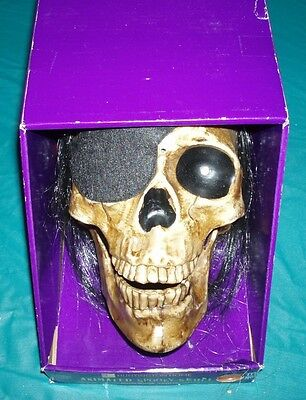 Halloween ANIMATED SPOOKY SKULL SEALED!