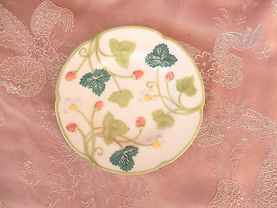 MINTON  ROYAL DOULTON  Victoria Strawberry  B/B PLATE   Hand Painted    ENGLAND.