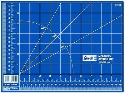 Revell Model Kit Tool - Modelers Cutting Mat 305mm x 228mm (Small)  - 39060