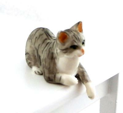 Dolls House Grey White Tabby Cat Sitting Falcon Miniature Pet 1:12 Scale Animal