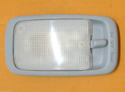 05 06 07 08 - 14 Toyota Hilux Vigo Sr5 Mk6 Pickup Interior Dome Roof Light Lamp