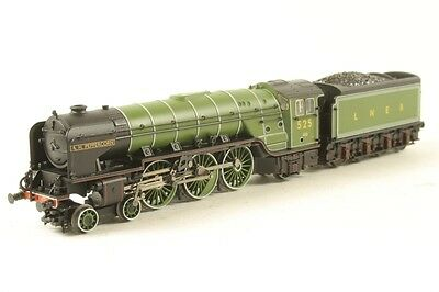 Graham Farish N Gauge 372-385 Steam Loco Lner A2 4-6-2 525 Far372385