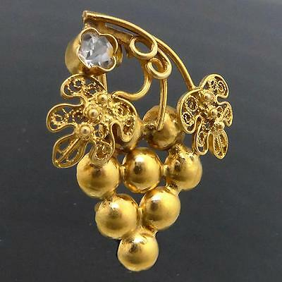 Wine lovers Bunch of Wine Grapes 22k GOLD BROOCH White Gem Bacchic solid estate