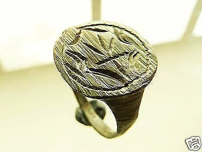 Post-medieval bronze seal-ring (r338).